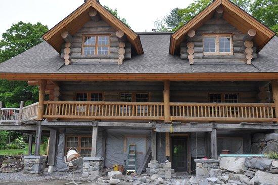 NEK Adventures ATV & Snowmobile Tours: Log House