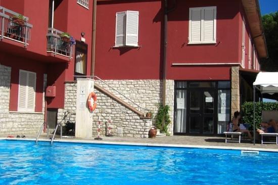 Hotel Cavalieri: piscina
