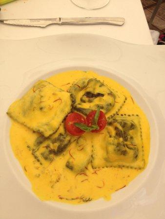 Restaurante Randemar: Raviolis de bogavante y viera con salsa de azafran