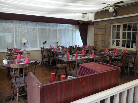 The Raddle Inn: indoor dining area