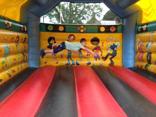 The Raddle Inn: kids jump house
