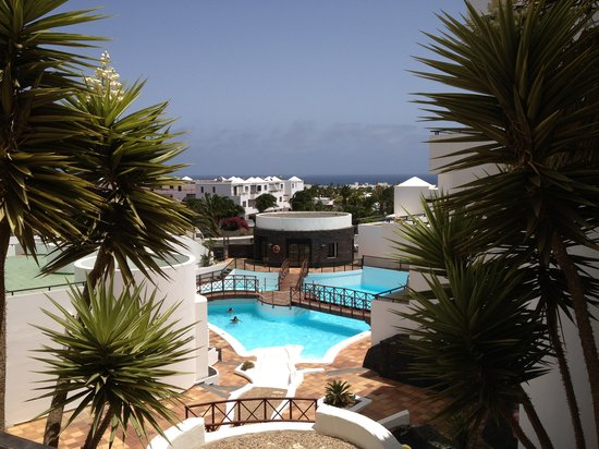 Aparthotel Lanzarote Paradise: Pool at Las Colinas (Next door) much better