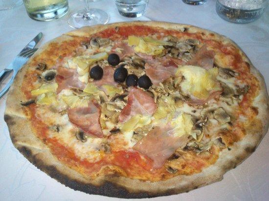 Ristorante Pizzeria Belvedere: Pizza Capricciosa