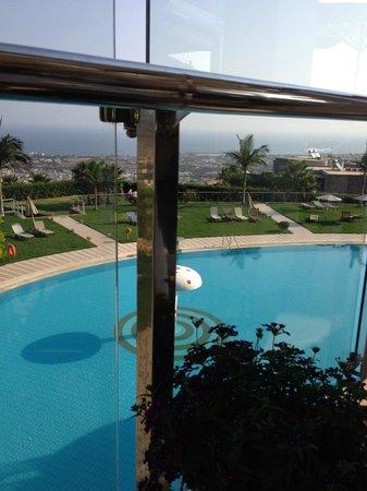 Royal Heights Resort : Public pool