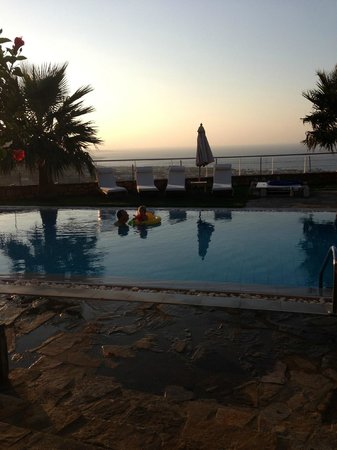 Royal Heights Resort: Private pool