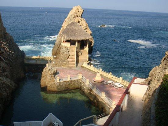 El Mirador Acapulco Hotel: piscina natural