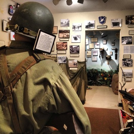 Fort Tuthill Military Museum: Inside one of the museum rooms