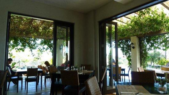 Hotel Soffia Boracay: Cafe
