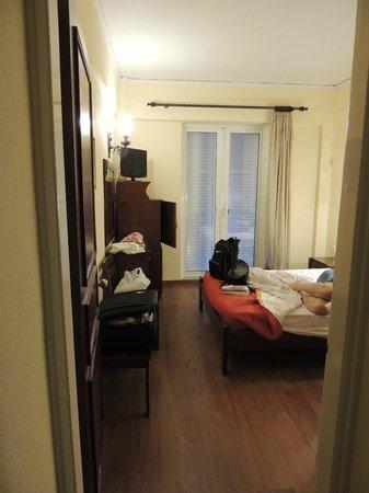 Sunset Hotel: camera