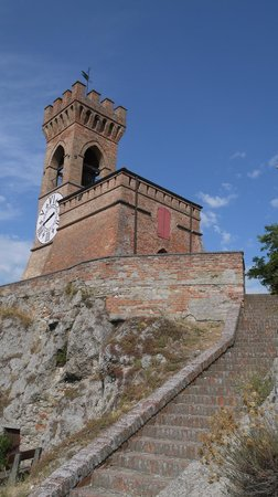 Albergo La Rocca: Tower with clock