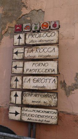 Albergo La Rocca: at the corner.. :)