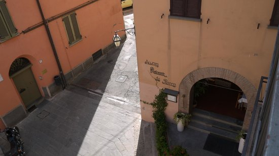 Albergo La Rocca: The entrance of the hotel