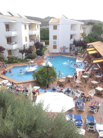 Aparthotel Flora: Pool