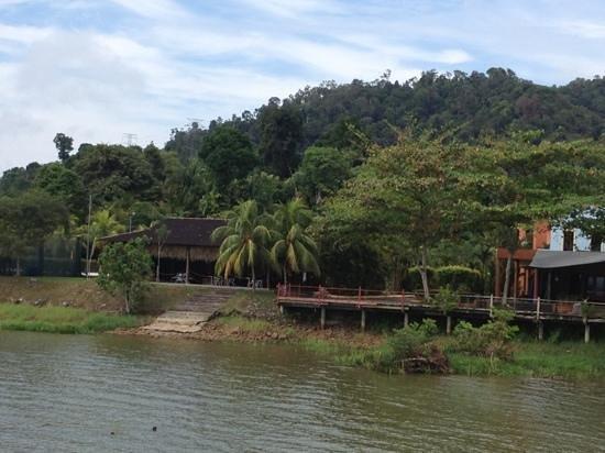Bukit Merah Laketown Resort: surroundings