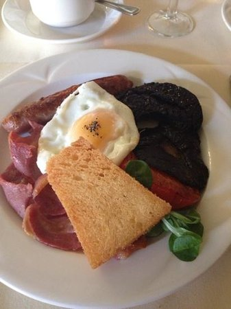 Tre-Ysgawen Hall, Country House Hotel and Spa: Tasty Full English/Welsh