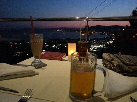 Pefkos Blue: Fantastic meal and view!