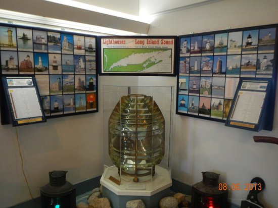 Old Lighthouse Museum : photos on 2nd floor allowed