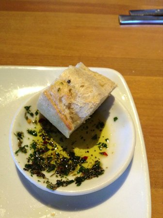Bread and Olive Oil Dip - Picture of California Pizza Kitchen ...