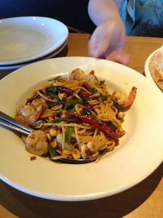 Kung Pao Spaghetti with Shrimp - Picture of California Pizza Kitchen ...