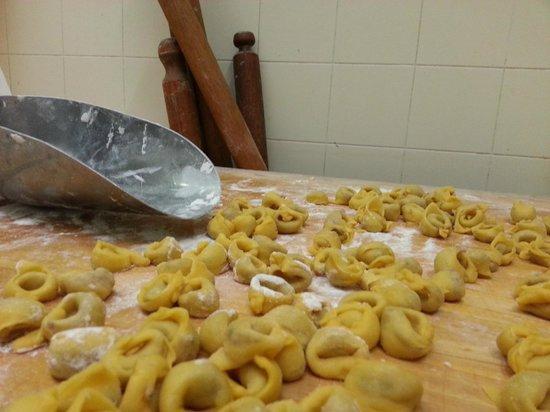 Da Giordano il Bolognese: La nostra pasta fresca, fatta a mano come una volta