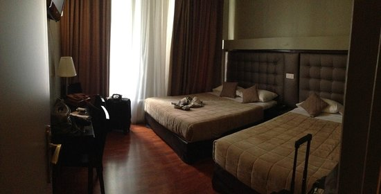 Hotel Cosmotel: Triple Room