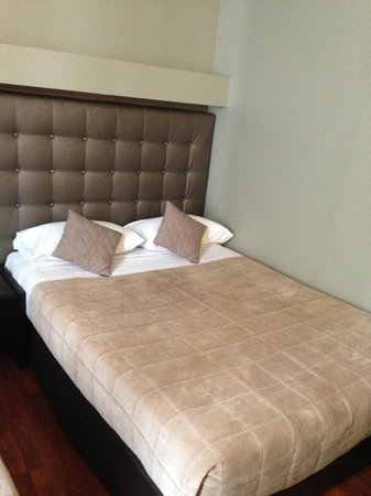 Hotel Cosmotel : Bed