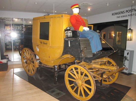 Post & Tele Museum: Повозка с почтой