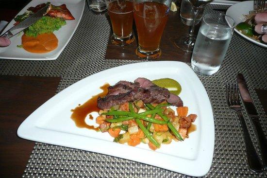 Prestons Restaurant + Lounge: Bison, presentation and flavours amazing