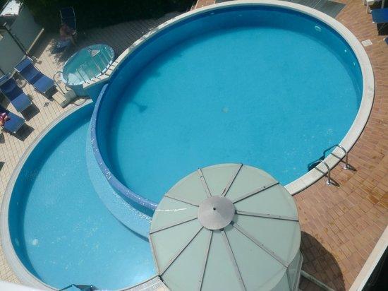 Hotel Albicocco: la piscine  et le jacuzzi