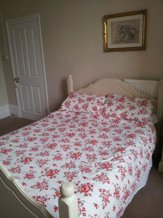 No 71 Bed & Breakfast: Clean, comfortable and very pleasant.