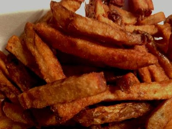 Wayside Restaurant & Bakery: Inedible french fries