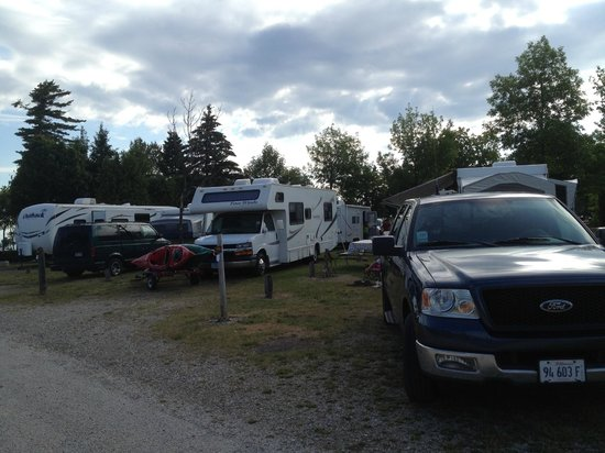 Mackinaw Mill Creek Campground: crowded campsite