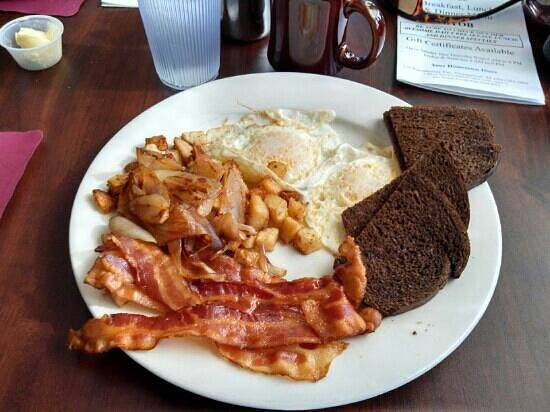 Old Lighthouse Diner: yum