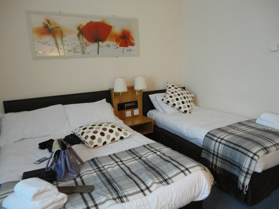 Grey Gull Inn : twin room on ground floor