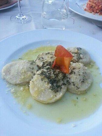 Crotto Di Gittana: ravioli con pasta di patate