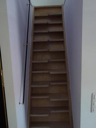 Maison AZ: Suite Treppe zum Badezimmer