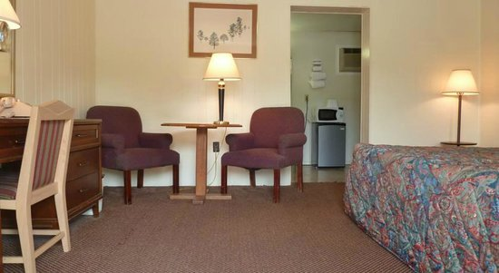 The Acorn: Sitting area in Room
