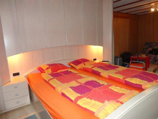 Chalet Zum Steg: cama enorme