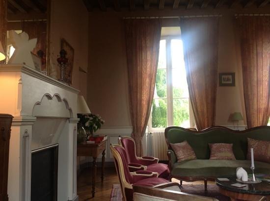 Chateau des salles saint fort sur gironde frankrike for Salon le 58