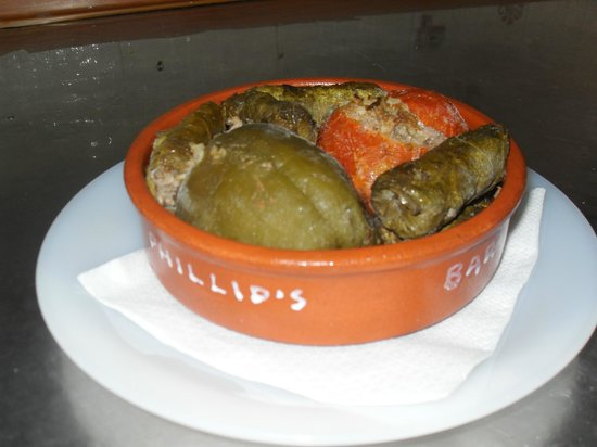 Phillips Bar: The best gemista and ntolmades