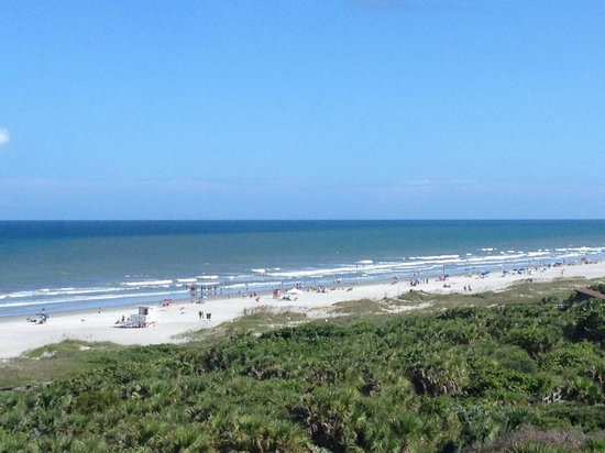Hilton Cocoa Beach Oceanfront : 7th Floor Room View (a bit zoomed)