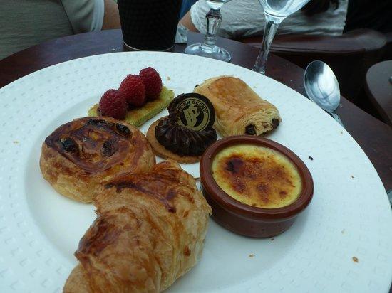 Paris en Scene - Diner croisiere : Lunch Dessert, all minis
