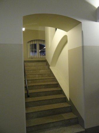Hotel Katajanokka: Staircase to...