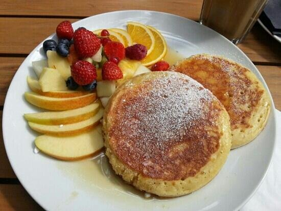 pancakes with fruit bild von von der motte hamburg tripadvisor. Black Bedroom Furniture Sets. Home Design Ideas