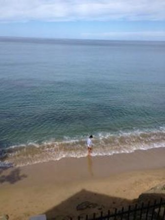 Tres Sirenas Beach Inn : The view from the room