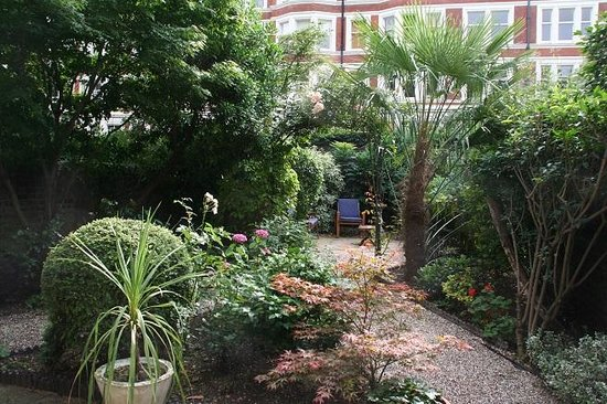 Jesmond Hotel: Een kleine maar leuke tuin.
