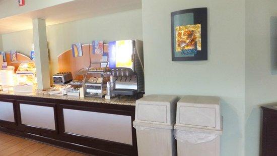 Holiday Inn Express N. Myrtle Beach-Little River: Breakfast Area 2