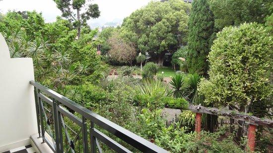 Quintinha São João: Le jardin vu de notre balcon