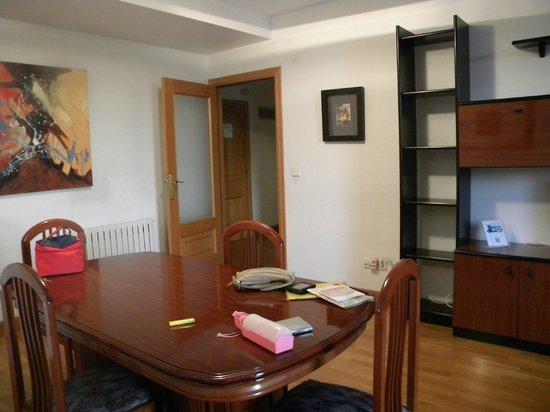 Gestión de alojamientos Rooms & Apartments: comedor y salón son todo uno