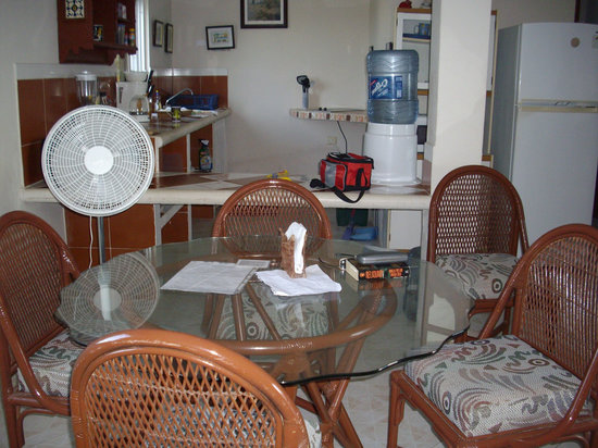 Punta Piedra: Dining, kitchen